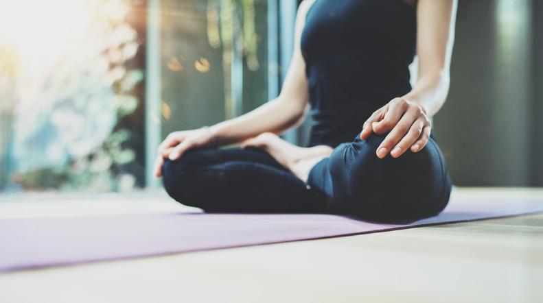 A che ora fare Yoga: qual è l'orario migliore per la pratica?